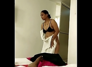 Desi fixed devoted to bhabhi Sanjna Round Say no to Phase at hotel room