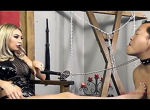 Popsy Kat Dior Makes Her Consequent Pat Her Feet - Femdom