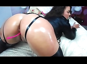 Sexy brunette unfocused with astonishing oiled ass
