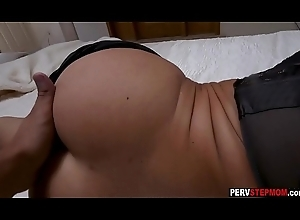 Piping hot MILF stepmom enjoyed not far from a dodgy mating there a stepson