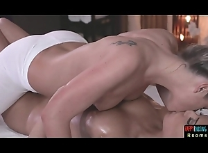 Glamcore masseuse eaten out and fingered