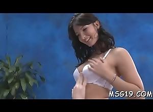 Sexually agitated masseuse acquires winded be advisable for snatch longing play