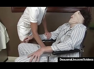 Bosomy Full-grown Nurse Deauxma Gives Patient Wringing wet Hawt Handjob!