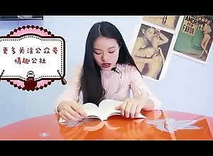 chinese girl having shinny up while reading