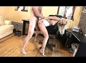 Horny copier Carla Cox takes dudes blarney in her mouth coupled with gives gaping void blowjob then fucks