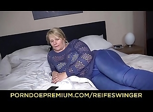 REIFE SWINGER &ndash_ Mature German flaxen-haired fervent digs sex