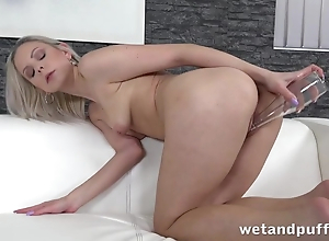 Sultry chick uses glass fiasco alongside solo masturbation