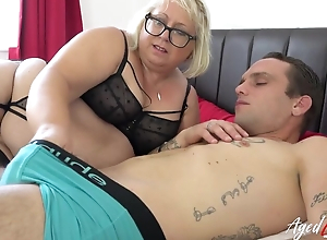 Fat adult bawd with pock-marked snatch blows younger guy