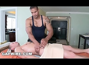 GAYWIRE - Muscle Clog Robert Axel Gives Drew Daine A Knead Together with Bonks Him, Hard